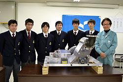 日本製紙クレシアの依頼で水力発電機を作った生徒たち