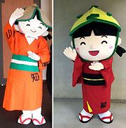 旧ドッコちゃん(左)と新ドッコちゃん