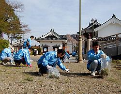 福知山城で清掃奉仕