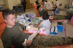 隊員たちが献血に協力