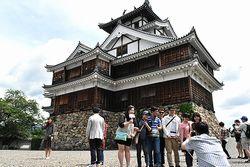 福知山城で記念撮影