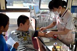 献血の模擬体験