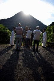 日室嶽山頂付近に沈む太陽